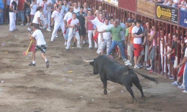 El primer festejo taurino de la tarde de los Sanjuanes congregó a miles de personas y finalizó sin incidentes