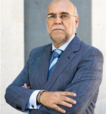 Monago se apoya en un gobierno de marcado perfil técnico con tres mujeres y cuatro hombres