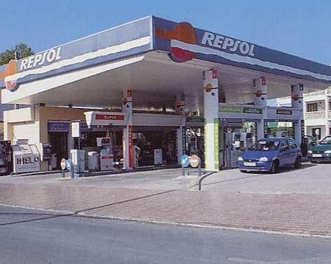 Llenar el depósito de un coche en la región cuesta ocho euros más en julio que en el mes de enero