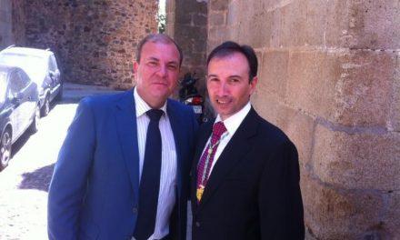 León anuncia que la Diputación ahorrará un millón de euros con un control de los gastos