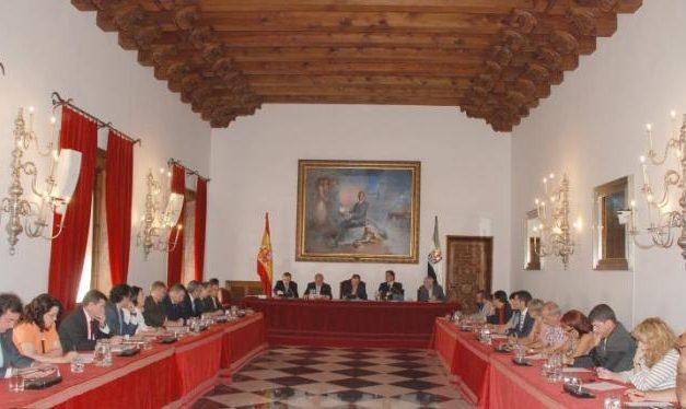 La Diputación de Cáceres celebra el pleno organizativo de la nueva legislatura para organizar las áreas de trabajo