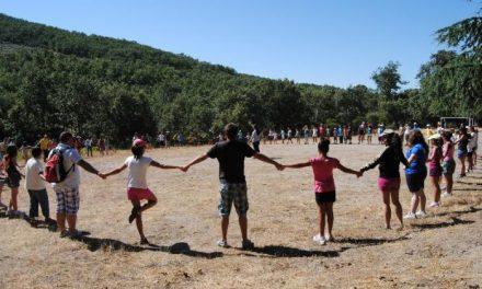 El Campamento de Cáritas de Villamiel congrega a 75 niños de toda la provincia con el lema el «Arca de Noé»