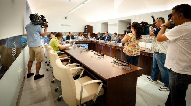 IU se abstiene en la votación de la Junta de Portavoces sobre la ubicación de los asientos de la Asamblea