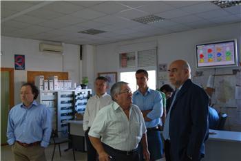 El consejero de Agricultura muestra su respaldo al trabajo de los técnicos del Plan Infoex