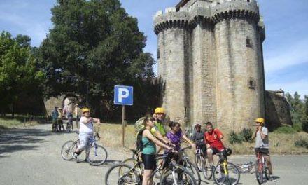 Los integrantes de la Escuela Taller Vía Argéntea de Premysa participan en una ruta cicloturista a Granadilla