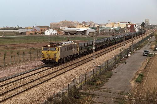 """Fomento reitera su """"apuesta"""" por el Eje 16 de mercancías por ferrocarril desde Sines a París, pasando por la región"""