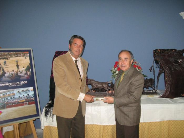 Moraleja entrega los premios a los carteles taurinos de las fiestas populares de San Buenaventura