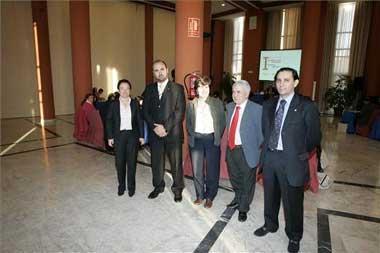 La Junta y la Unión de Consumidores alertan sobre las empresas que unifican deudas y créditos