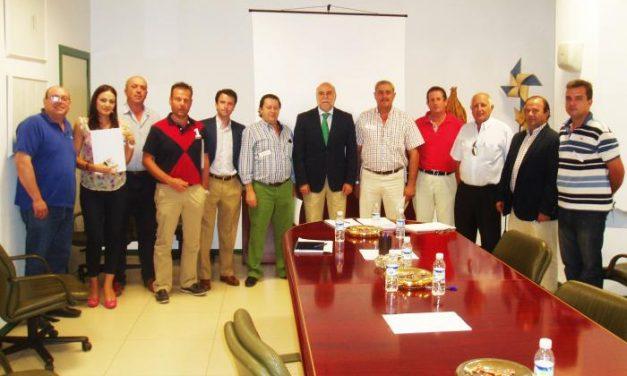 """Apag Extremadura califica de """"cordial y fructífero"""" su primer encuentro con el consejero de Agricultura"""