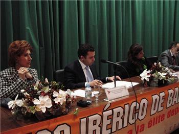 """El IV Congreso Ibérico de Baloncesto, que se celebra en Cáceres, contará con Vicente """"Pepu"""" Hernández"""