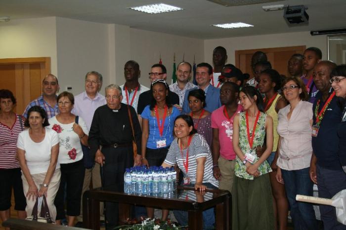 El Ayuntamiento de Moraleja recibe a los jóvenes peregrinos franceses participantes en la JMJ