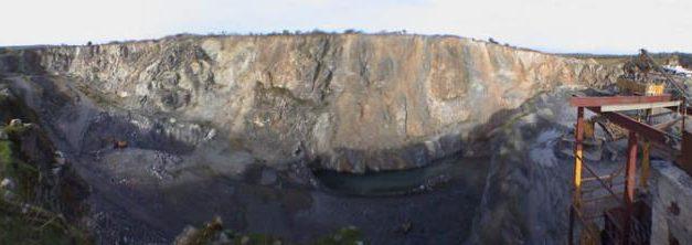 Adenex denuncia que una cantera de áridos está ocupando varios yacimientos arqueológicos en Garrovillas