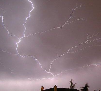 El 112 activa la alerta amarilla por lluvias y tormentas en el norte de Cáceres a partir de las 12.00 horas del domingo