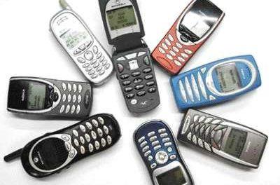 """Facua alerta de la aplicación en los móviles de tarifas """"roaming"""" en las zonas fronterizas"""
