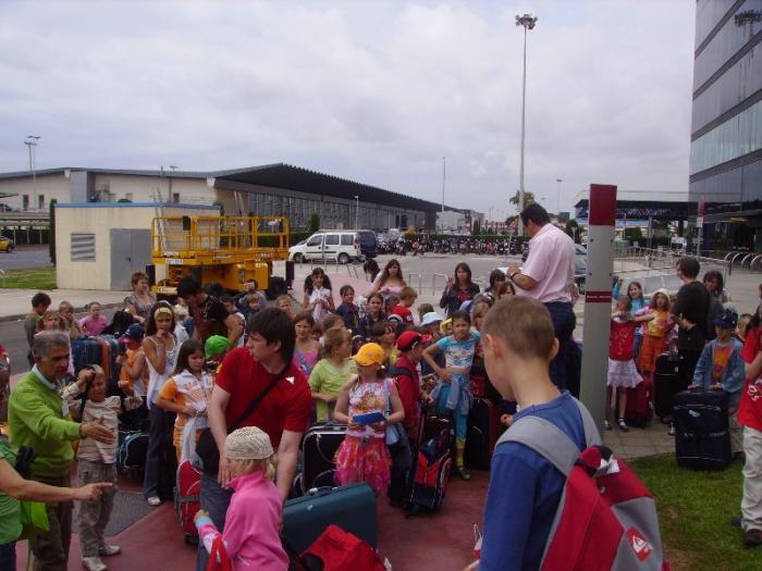 Familias del Ambroz colaboran en el programa de acogida temporal de niños rusos con una ONG