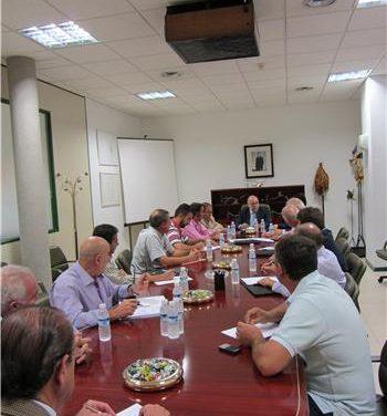 Los regantes apoyan la reivindicación de Echávarri de reclamar al Gobierno central un IVA reducido