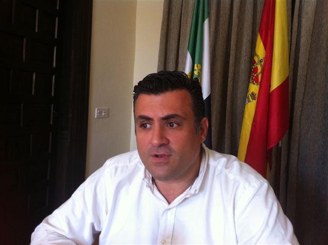 Ballestero pide al PSOE que explique las causas por las que  no incluyó la limpieza de las pedanías y los  polígonos