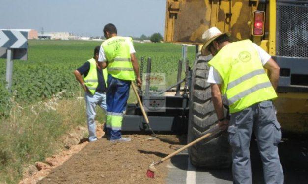 """Fomento paralizará las obras de tres carreteras para priorizar """"las verdaderas necesidades"""" de la región"""