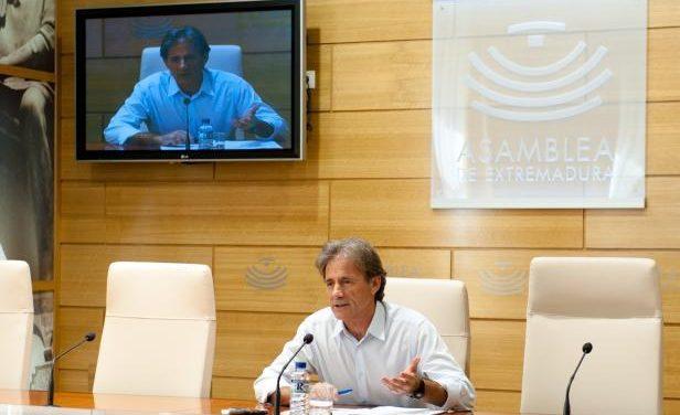 """Escobar deja claro que """"las recetas de Cospedal y Aguirre no contarán con el respaldo de IU"""" en Extremadura"""