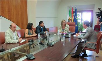 La Junta toma contacto con los agentes sociales para desarrollar el plan que genere empleo en la región