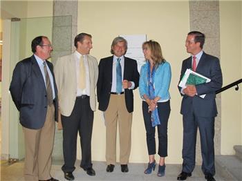 El Gobierno de Extremadura y la CREEx comienzan a trabajar conjuntamente en el borrador del plan de empleo