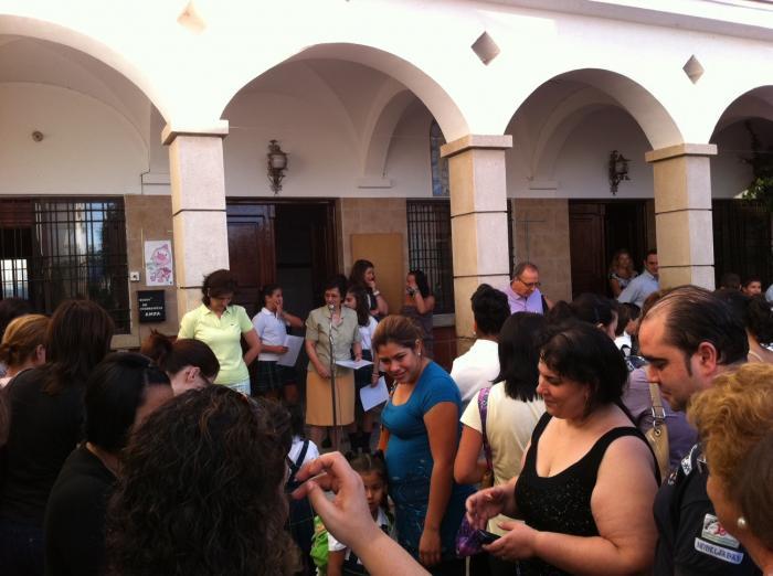 La vuelta al colegio se desarrolla con plena normalidad en Valencia y San Vicente de Alcántara