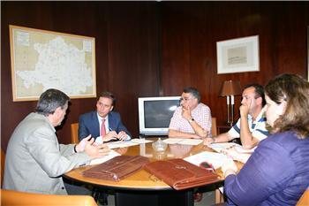 La Junta de Extremadura anuncia que apoyará al sector de la madera ante las dificultades que atraviesa
