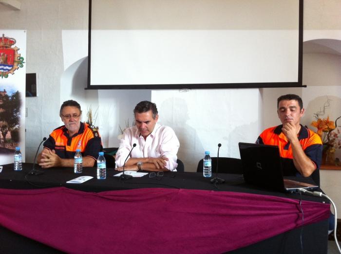 Cincuenta voluntarios de protección civil se forman en materia forestal en Valencia de Alcántara