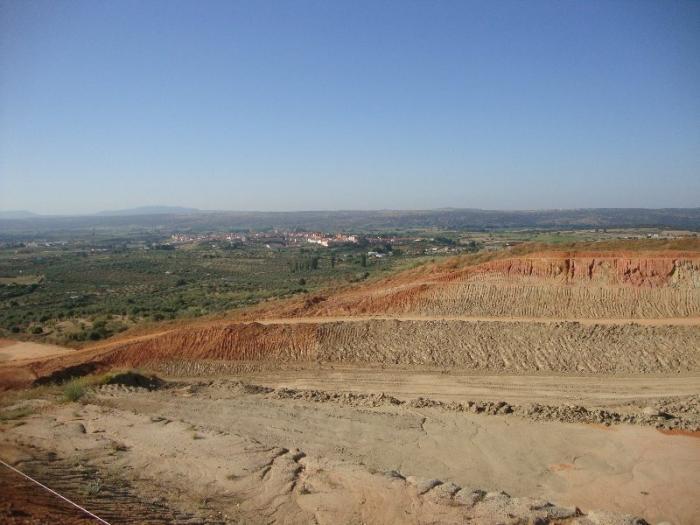 Fomento garantiza al alcalde de Coria la terminación de las obras de la Ex-A1 a pesar de los problemas geotécnicos