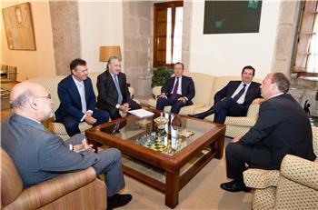 Monago sigue la ronda de contacto con empresas del Ibex 35 y se entrevista con el presidente de Endesa