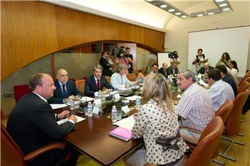El Gobierno extremeño inicia la creación de un convenio de buenas prácticas comerciales en la cadena alimentaria