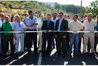 El presidente de la Diputación conoce el nuevo estado de la carretera del Puerto de Berzocana