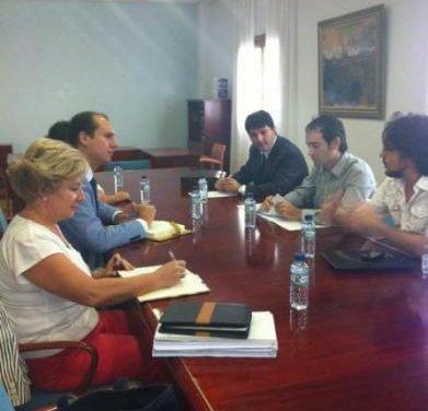 El Grupo Popular y los músicos de la Orquesta de Extremadura se posicionan a favor del proyecto