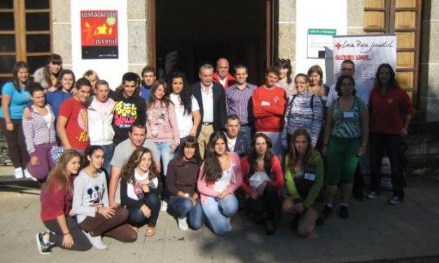 Cruz Roja celebra en Baños de Montemayor un encuentro con la asistencia de más de 35 jóvenes