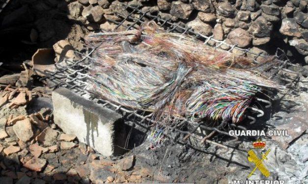 La Guardia Civil detiene a los autores del robo de más de 8 kilómetros de cable telefónico de Valdecaballeros