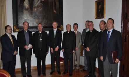 Los Obispados de las diócesis de Coria-Cáceres y Plasencia reciben una subvención de Caja Extremadura