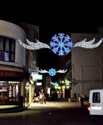 El Ayuntamiento de Villanueva gastará 30.000 euros en iluminación y en dinamizar el centro comercial