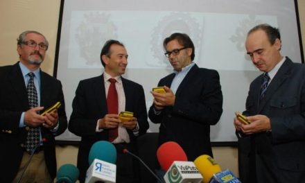 La Diputación de Cáceres dota de dispositivo PDAs a los policías locales de Cáceres y Plasencia