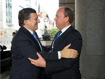 José Antonio Monago y Durao Barroso abordan la situción del tren de mercancías llamado Eje 16