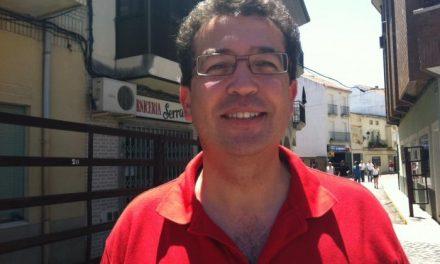 """Manzano lamenta que el PSOE ataque a su chofer, que """"es un trabajador"""", y defiende su profesionalidad"""