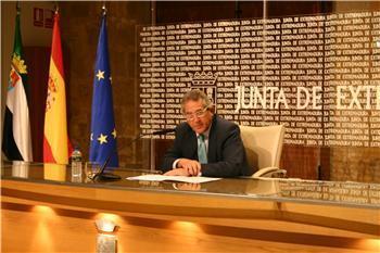 La Junta paraliza el Presupuesto del año 2012 hasta conocer los ingresos del Estado