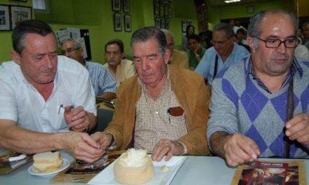 La Asociación de Cocineros y Reposteros de Madrid muestra su interés por la Torta de la Serena