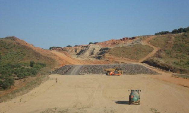 La Junta advierte de que existe la posibilidad de que no se abra la autovía EX-A1 por los problemas del terreno