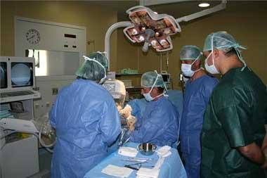 El hospital Virgen de la Montaña aplicará la mínima invasión para intervenir el pie a partir de enero del 2008