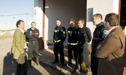La Diputación estudia la ampliación del servicio de 24 horas de los bomberos de Valencia de Alcántara