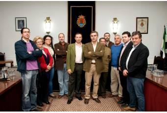 Laureano León visita Valencia de Alcántara para conocer de cerca las demandas de este municipio