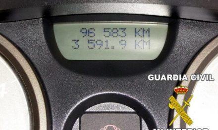 La Guardia Civil detiene al gerente de una empresa por estafa al manipular los cuenta kilómetros