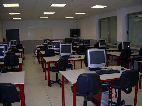 El Espacio para el Empleo de Cáceres ofrece nociones sobre yacimientos de empleo en internet