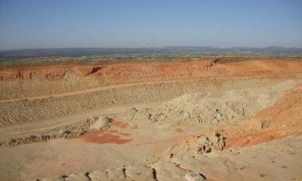 Fomento se compromete a terminar las obras de la Ex-A1 a pesar de los problemas geotécnicos del trazado