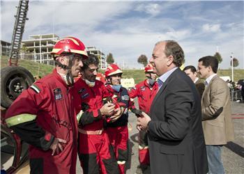 El Centro de Urgencias y Emergencias celebra su XII aniversario con la visita del presidente Monago